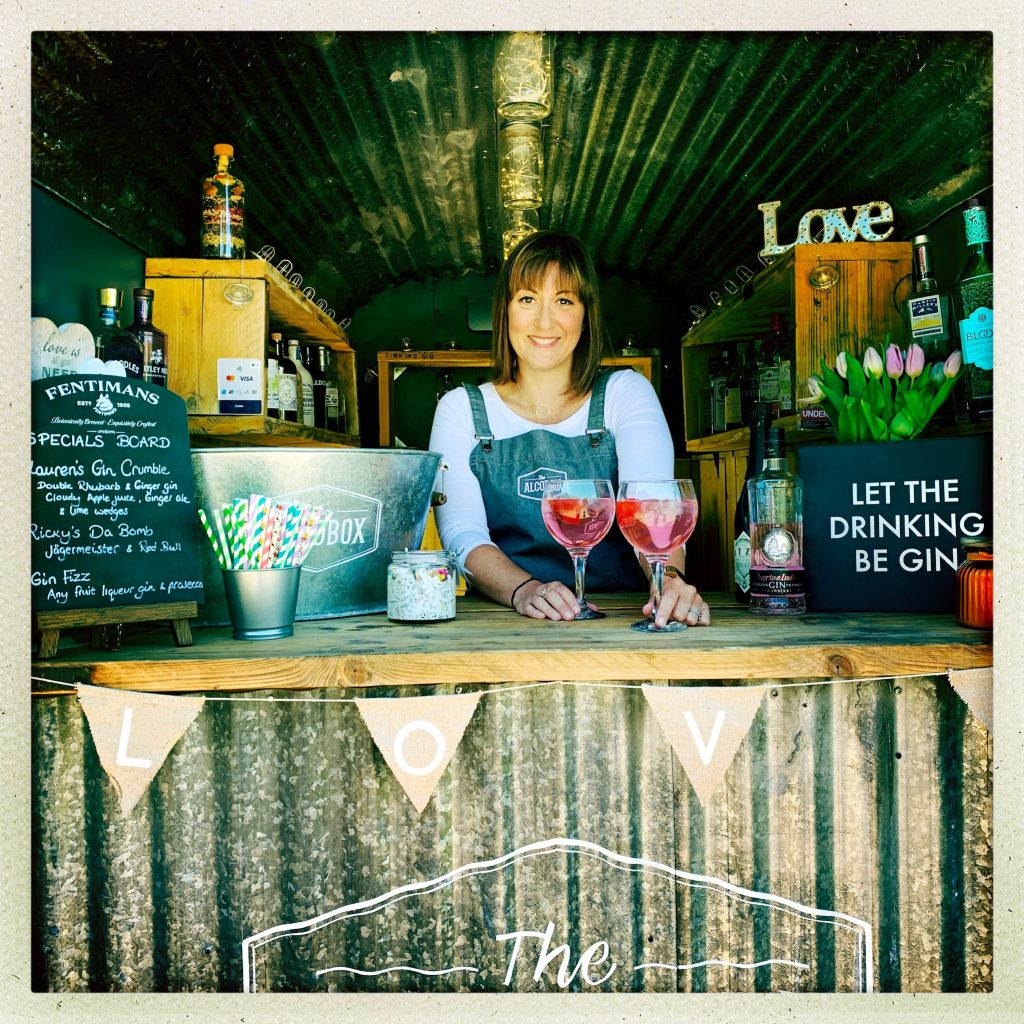 Mobile pop-up bar available with drinks packages for wedding celebrations